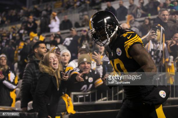 Pittsburgh Steelers Wide Receiver Martavis Bryant takes the field during the game between the Tennessee Titans and the Pittsburgh Steelers on...