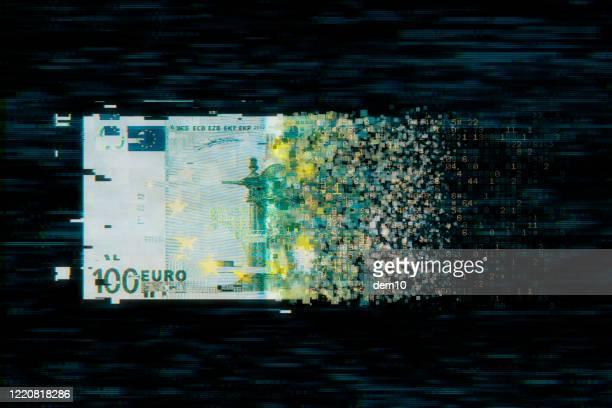 pixelierte währung der europäischen union auf dunklem hintergrund - kryptowährung stock-fotos und bilder