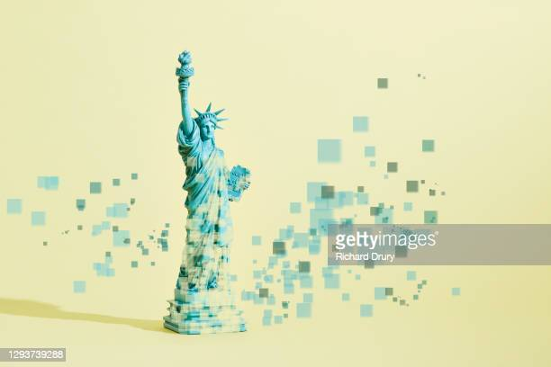 a pixelated statue of liberty figurine - appearance stock pictures, royalty-free photos & images