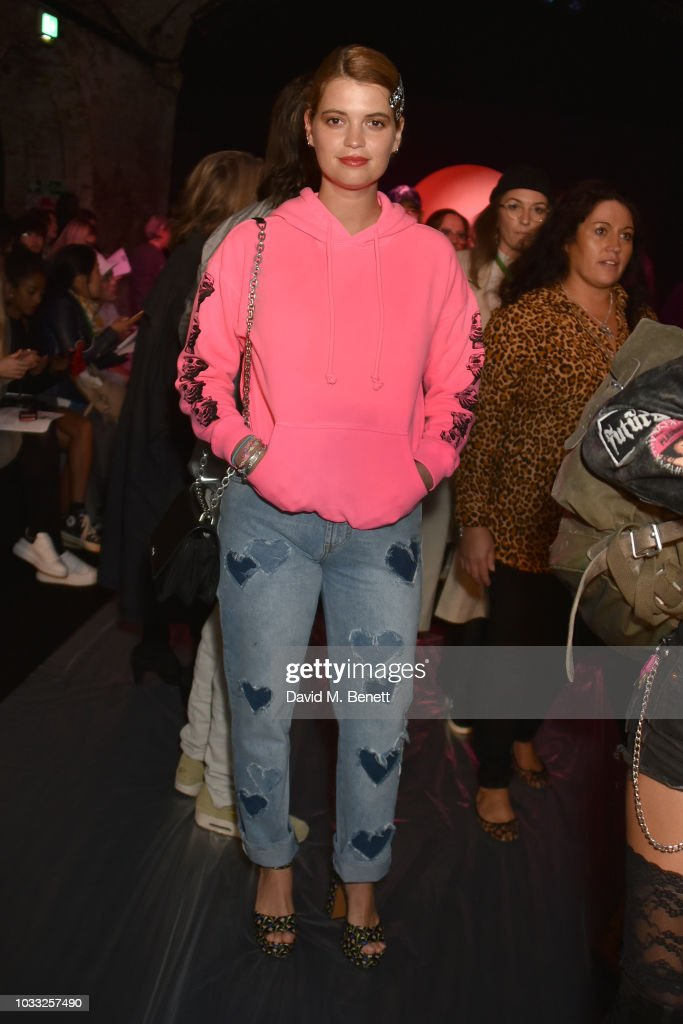 Pixie Geldof attends the Ashley Williams front row during London Fashion Week September 2018 at House of Vans on September 14, 2018 in London, England.