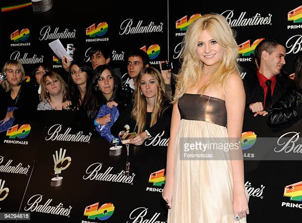 """Pixie Lott arrives at the """"40 Principales"""" Awards at the Palacio de Deportes on December 11, 2009 in Madrid, Spain."""