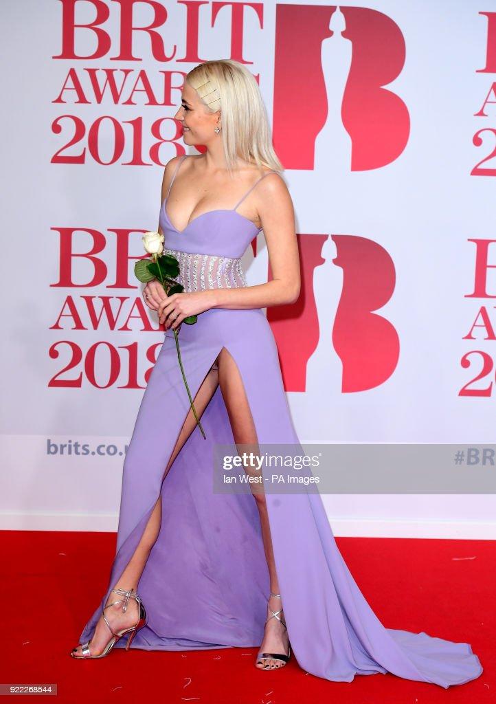 Brit Awards 2018 - Arrivals - London : News Photo