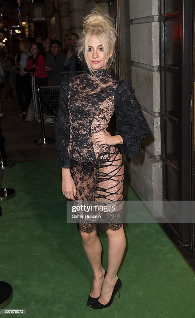 Pixie Lott attends A Green Carpet Challenge BAFTA Night during London Fashion Week Spring/Summer collections 2017 on September 18, 2016 in London, United Kingdom.