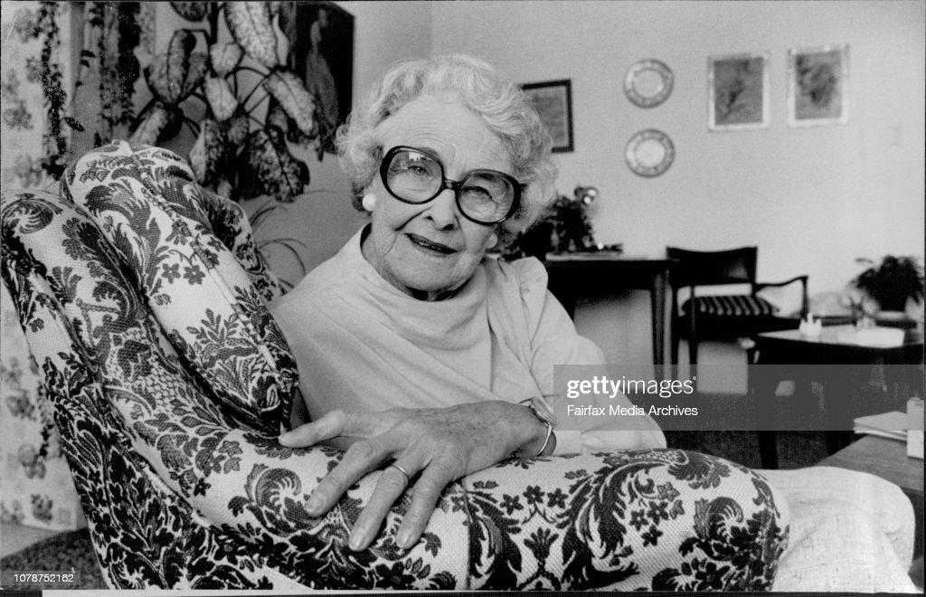 Pixs of Actress Queenie Ashton. Taken in her home at Epping ...