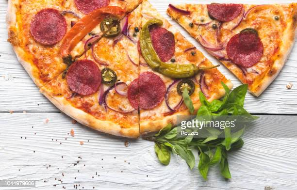 pizza close up - pepperoni pizza stock photos and pictures