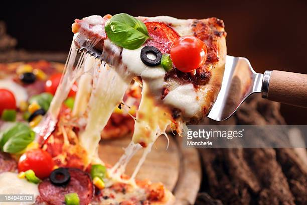 pizza - pepperoni pizza stock pictures, royalty-free photos & images