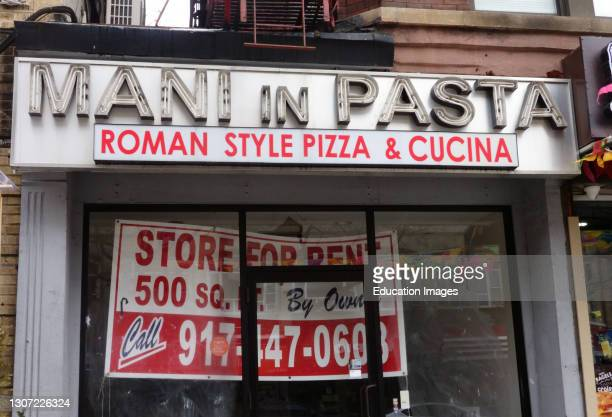 Pizza shop closed due to pandemic, Manhattan, New York.
