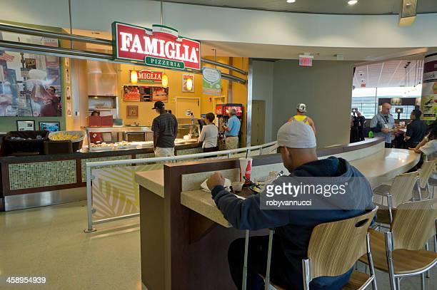 ピッツェリア Famiglia 、マイアミ空港