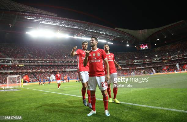 Pizzi of SL Benfica celebrates after scoring a goal during the Liga NOS match between SL Benfica and Gil Vicente FC at Estadio da Luz on September 14...