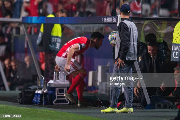 Pizzi of SL Benfica celebrates his team's second goal with teammates during the UEFA Champions League group G match between SL Benfica and Zenit St...