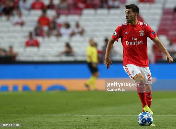 Pizzi of SL Benfica controls the ball during the UEFA Champions League Play Off match between SL Benfica and PAOK at Estadio da Luz on August 21 2018...