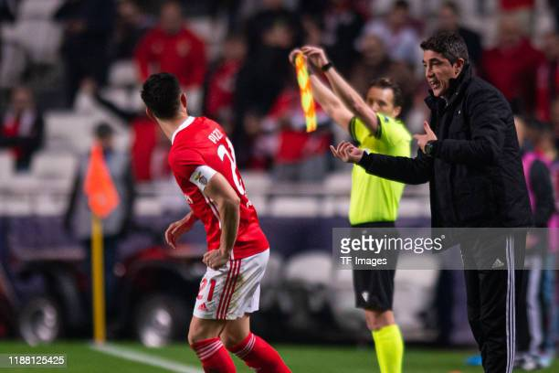 Pizzi of SL Benfica speaks with Head Coach Bruno Lage of SL Benfica during the UEFA Champions League group G match between SL Benfica and Zenit St...