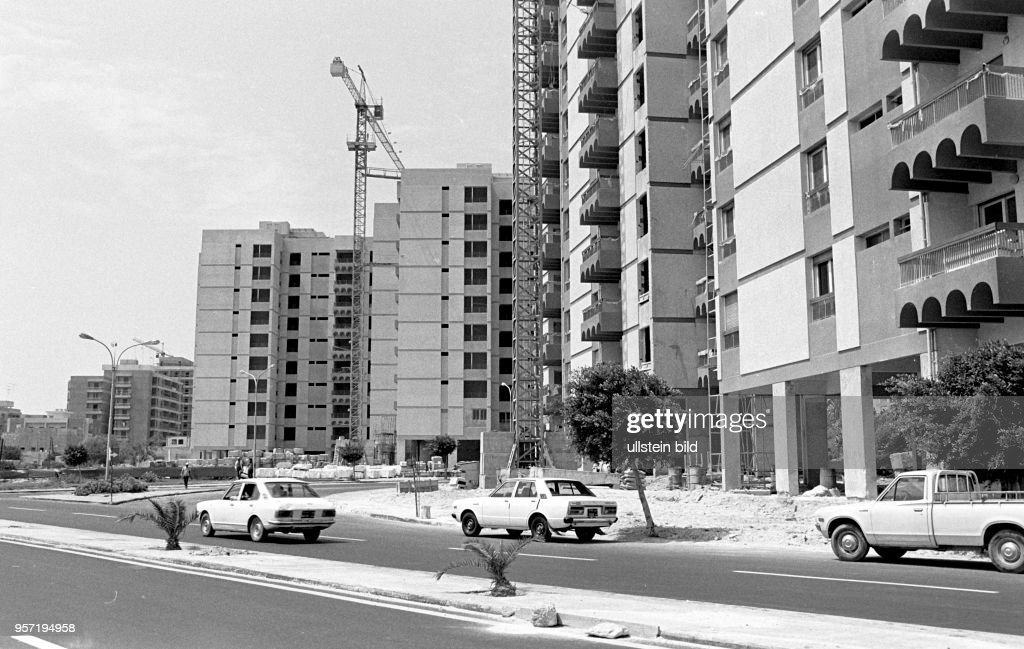 Libyen - Tripolis historisch - Wohnungsbau : News Photo
