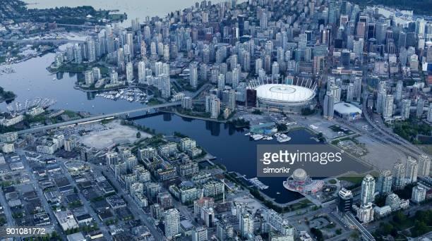 bc プレイスと都市の景観と科学の世界 - bcプレイス・スタジアム ストックフォトと画像