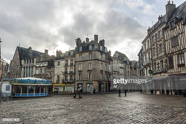 place charles de gaulle, poitiers - cobblestone stock pictures, royalty-free photos & images