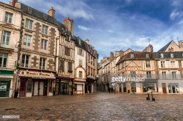 Poitiers photos et images de collection getty images for Que choisir poitiers