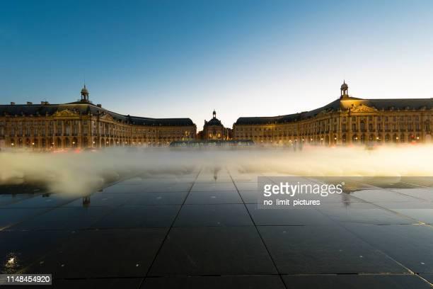 ボルドーのデ・ラ・証券取引所の場所、フランス - ボルドー ストックフォトと画像
