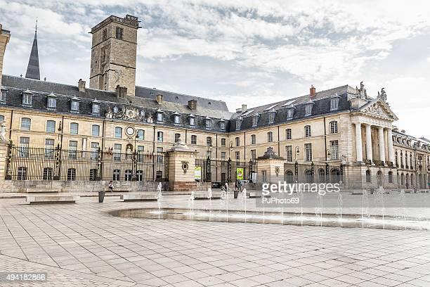 place de la libération-dijon - pjphoto69 stock-fotos und bilder