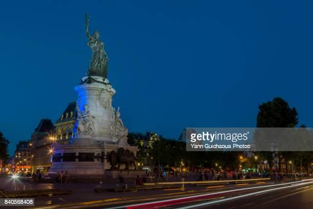 place de la republique, paris, france - place de la republique paris stock pictures, royalty-free photos & images