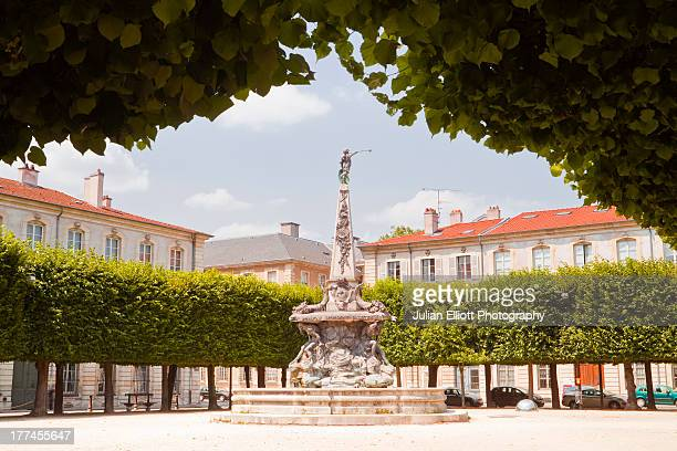 place de l'alliance in the city of nancy. - nancy stock pictures, royalty-free photos & images