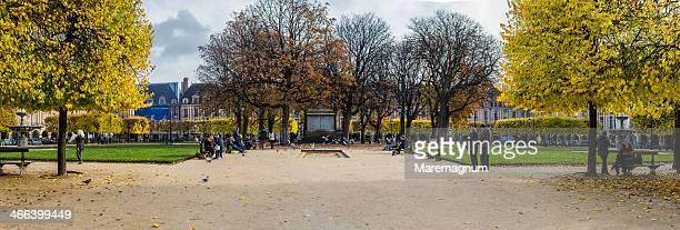 Place (square) des Vosges in autumn (fall)