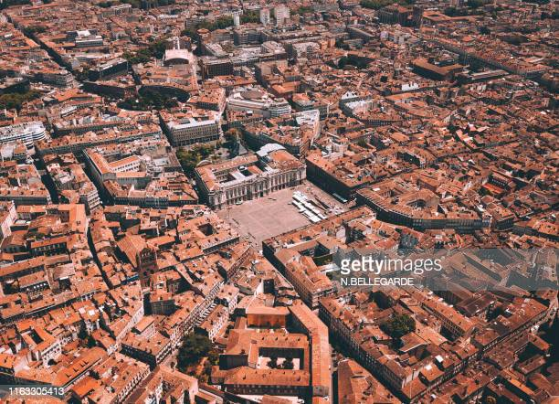 place du capitole - toulouse stock pictures, royalty-free photos & images