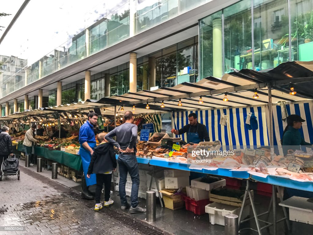 Place du Marché-Saint-Honoré, Saint-Honoré, outdoors food market, Paris, France : Stock Photo