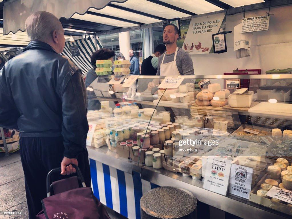 Place du Marché-Saint-Honoré, Saint-Honoré, mercado al aire libre, París, Francia : Foto de stock