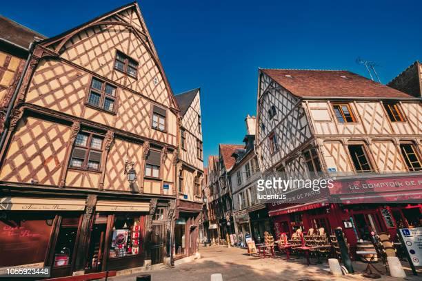 place gordaine, bourges, auvergne, france - bourges imagens e fotografias de stock