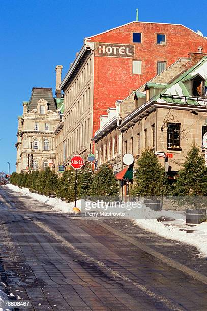 place jacques cartier, old montreal, quebec, canada - place jacques cartier stock pictures, royalty-free photos & images