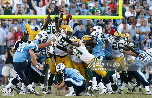 Place kicker Rob Bironas of the Tennessee Titans misses a potential gamewinning field goal in the fourth quarter against the Green Bay Packers at LP...