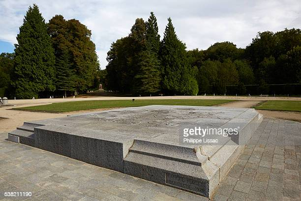 place where the armistice was signed between the allies of world war i and germany at compiègne, france, for the cessation of hostilities on the western front of world war i - oise stock pictures, royalty-free photos & images