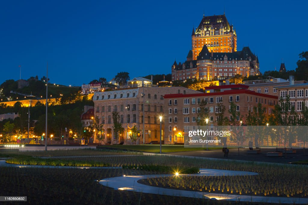 Place_des_canotiers_blue_hour_DRI : Stock Photo