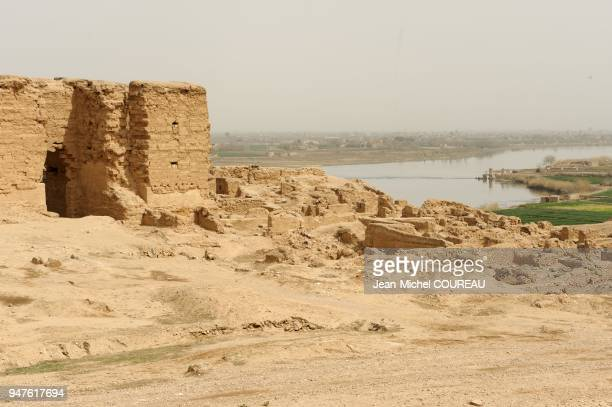 Placed in the valley of the Euphrates between the city of Deir ez Zur and the border with Iraq the citadel was established by Seleucides in 280...