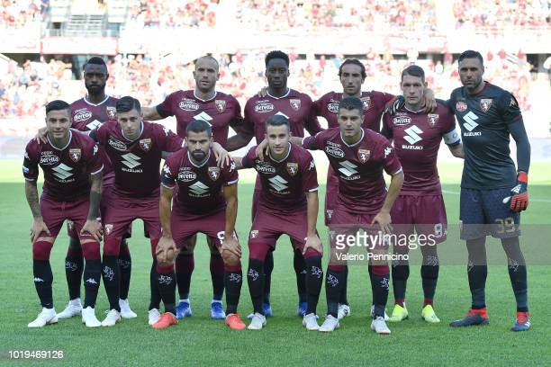 Plahyers of Torino FC line up prior the Serie A match between Torino FC and AS Roma at Stadio Olimpico di Torino on August 19 2018 in Turin Italy