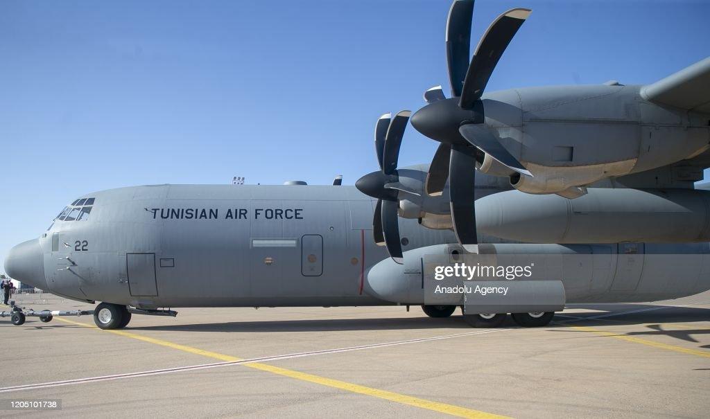 International Aerospace & Defence Exhibition in Tunisia : Nieuwsfoto's