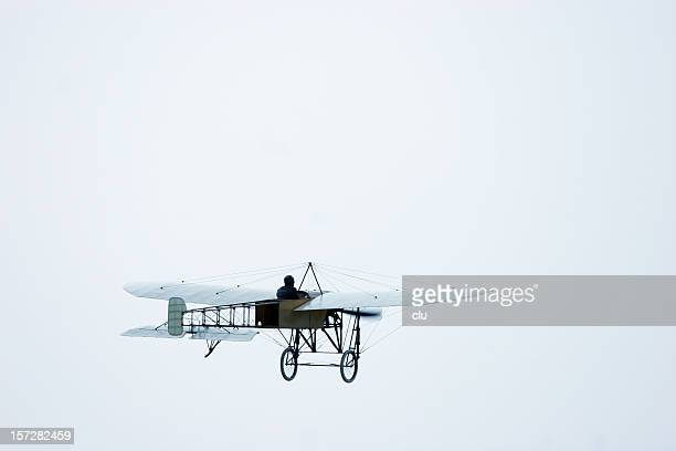 plane oldtimer from 1907 - history stock pictures, royalty-free photos & images