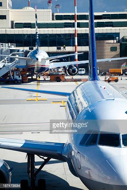 XXXL Flugzeuge am Flughafen