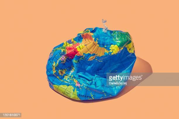 planet earth - rezession stock-fotos und bilder
