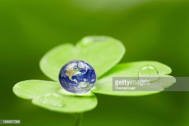 Planet earth waterdrop ます。米国グリーングローブ世界自然ドロップ