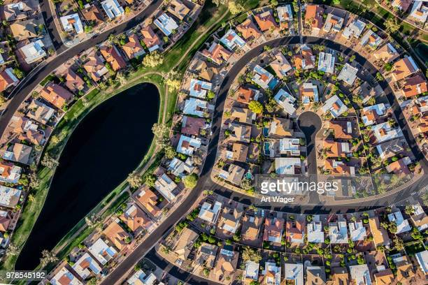 planned suburban housing development - cul de sac stock pictures, royalty-free photos & images