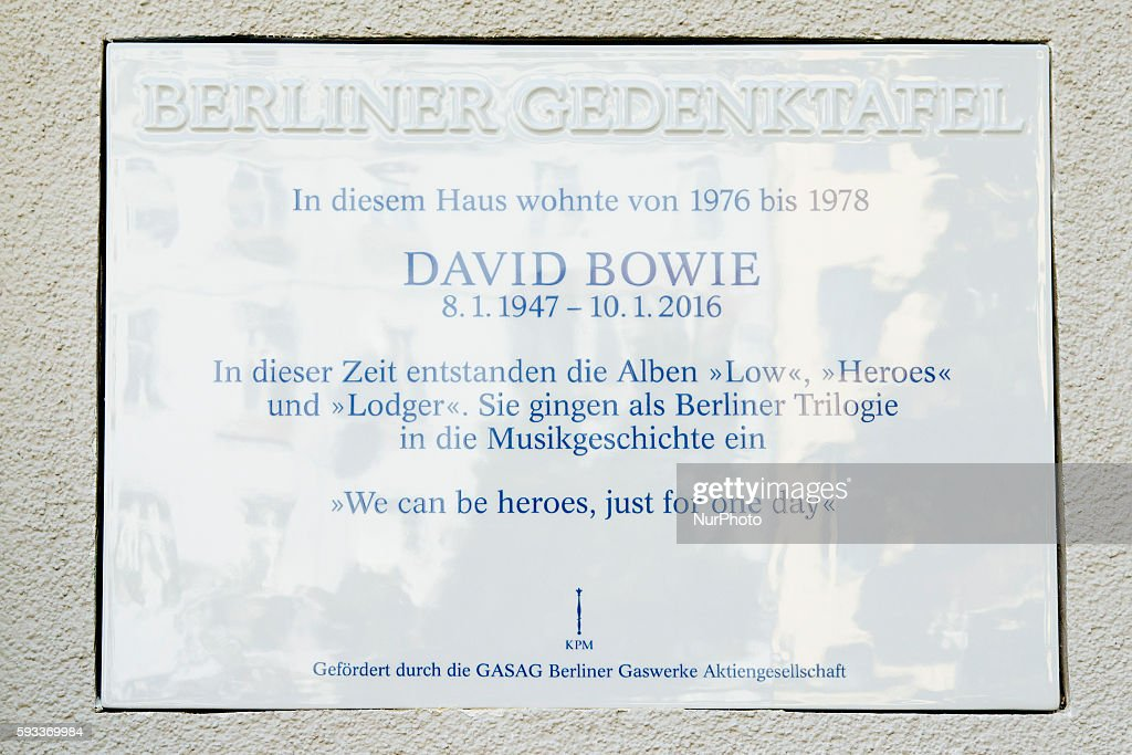 Commemoration plaque for David Bowie unveiled in Berlin : News Photo
