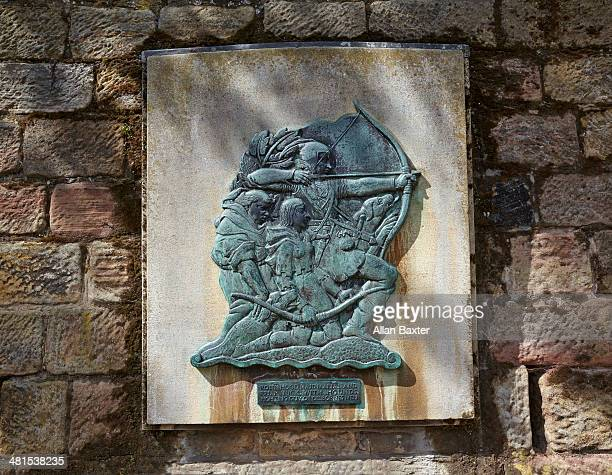 plaque dedicated to robin hood in nottingham - nottingham stock pictures, royalty-free photos & images