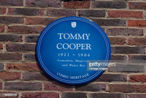 Plaque Teddington Studios Blue plaque outside Teddington Studios commemorating Tommy Cooper comedian magician and water rat one of the performers who...