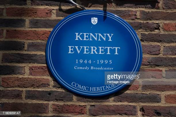 Plaque Teddington Studios Blue plaque outside Teddington Studios commemorating Kenny Everett comedy broadcaster one of the performers who had worked...