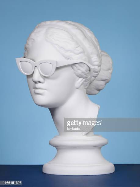 plaster head wearing sunglasses - classical greek style stock pictures, royalty-free photos & images