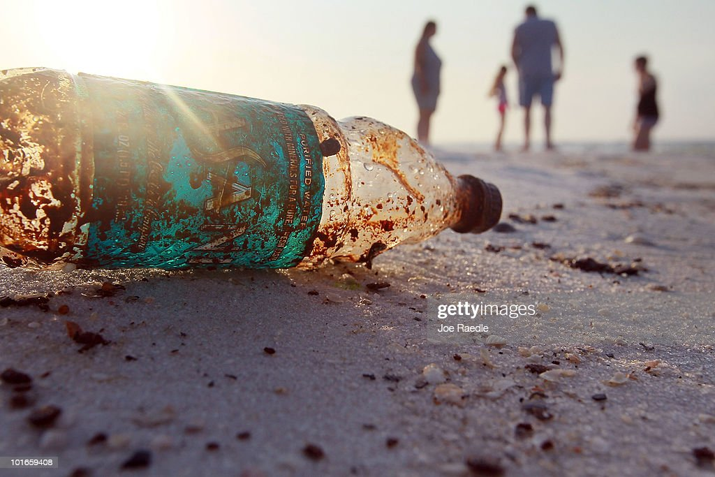 Gulf Oil Spill Spreads, Damaging Economies, Nature, And Way Of Life : ニュース写真