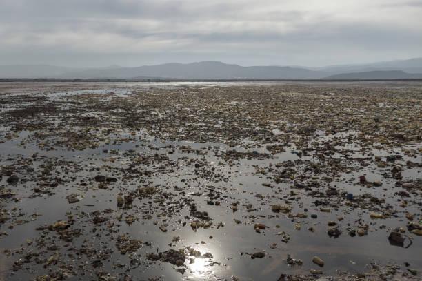 BOL: The Once-Thriving Lake Uru Uru Has Turned Into A Plastic Wasteland