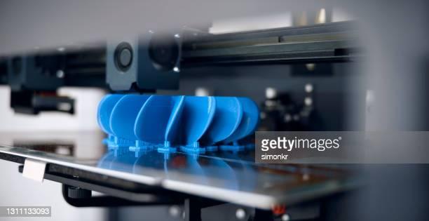 3d印刷プロセスにおけるプラスチックファンプロペラモデル - フィラメント ストックフォトと画像