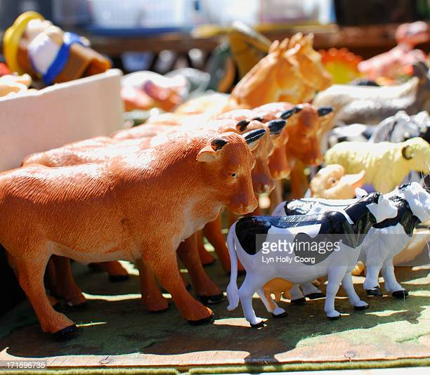 plastic farm animal toys for sale - lyn holly coorg stock pictures, royalty-free photos & images